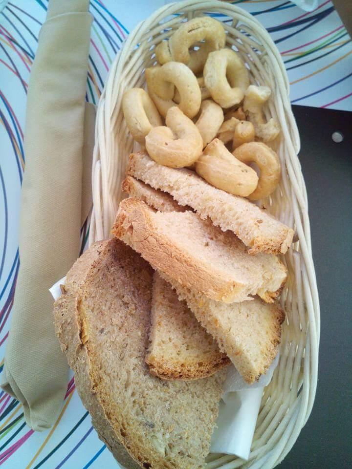 Taralli e pane casereccio