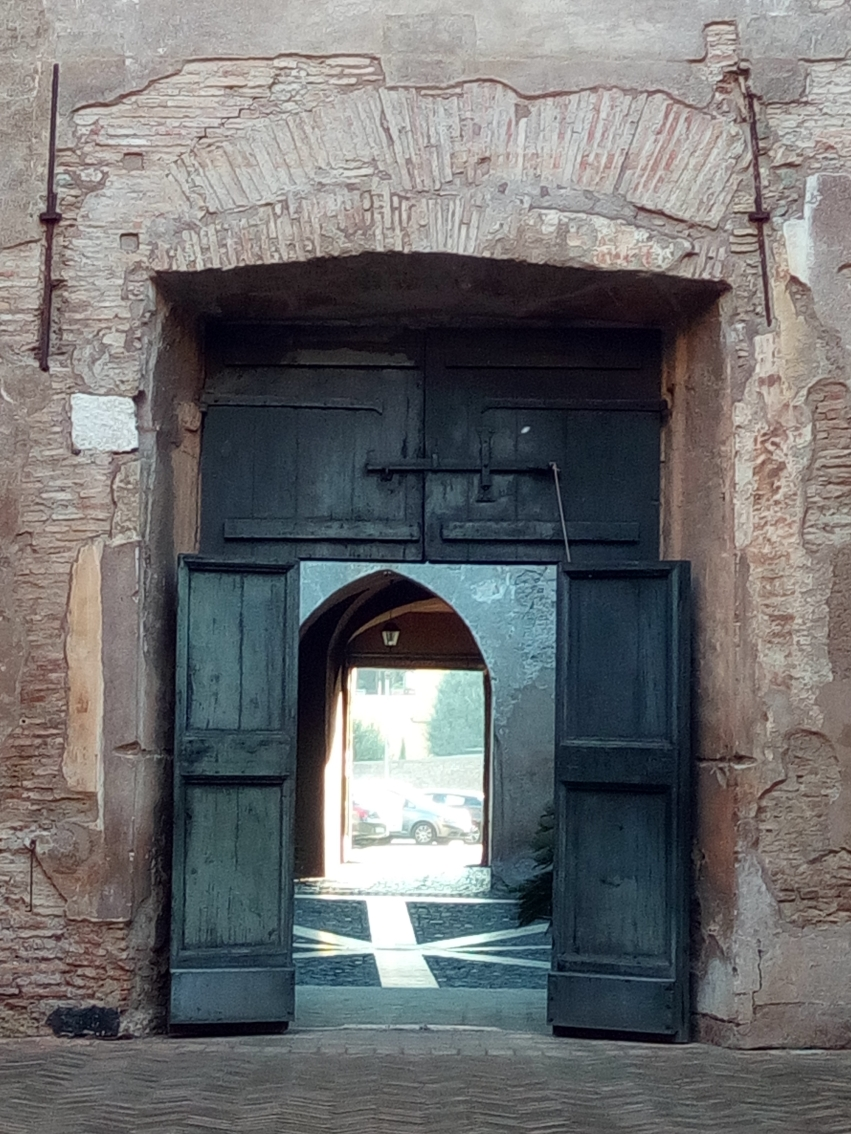 Doors of the 2 Courtyards