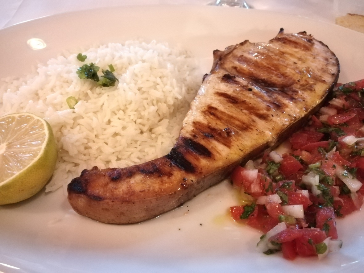 Swordfish with rice and tomatoes