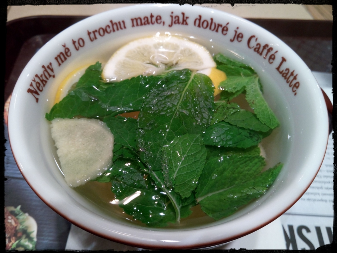 Infusion with ginger, mint and lemon