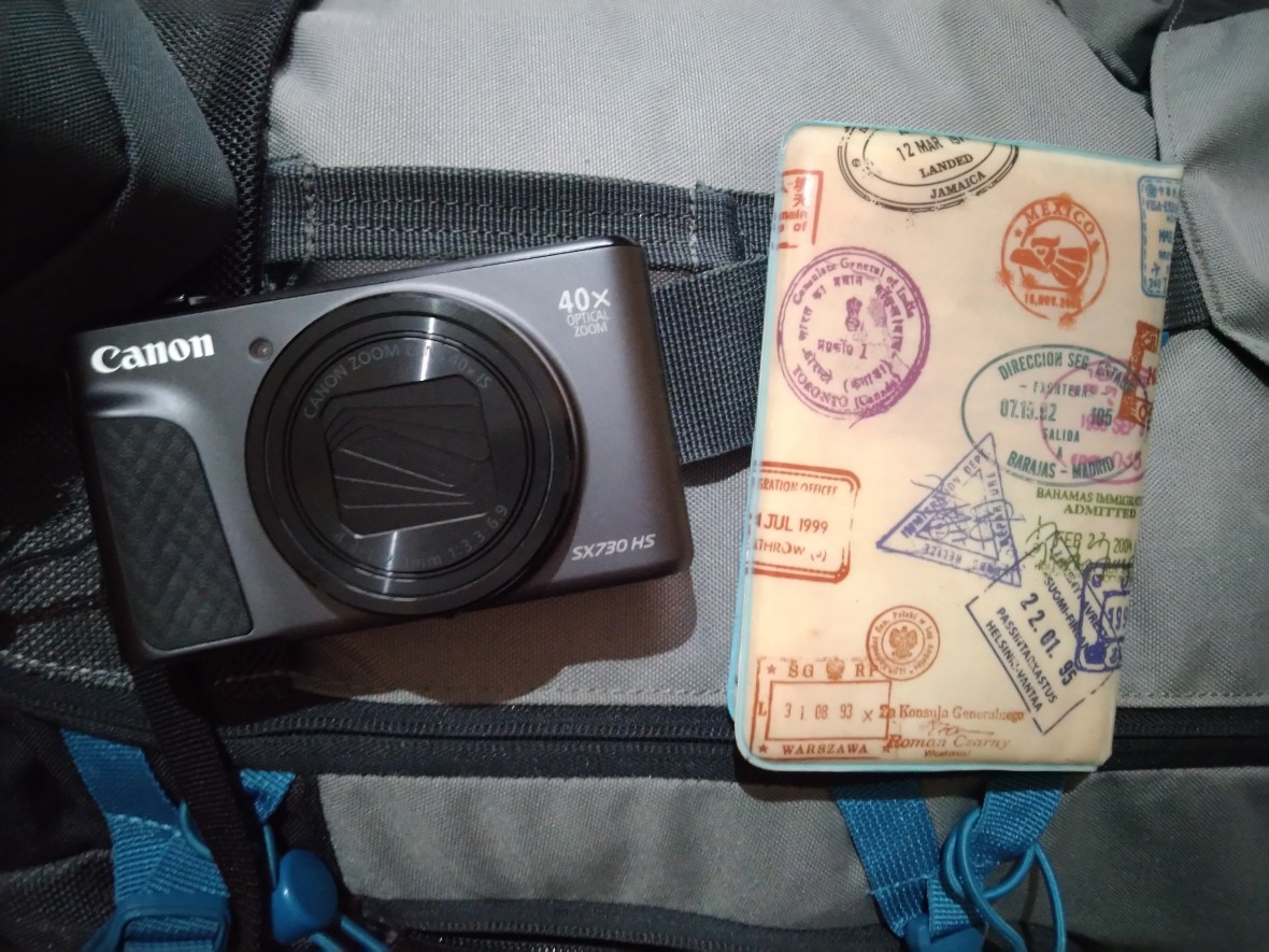 This is the famous camera that I finally bought in Ljubljana but I still had not the chance to show the pictures that I have taken with it!